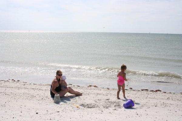 honeymoon island, florida, gulf coast, tarpon springs, baby at honeymoon island, honeymoon island beach