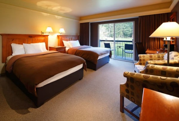 deer lodge lake louise, deer lodge, lake louise, double room deer lodge, deer lodge rooms, lake louise deer lodge