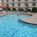 darien lake hotel, darien lake hotel pool, darien lake ny, darien lake pool