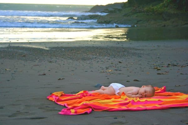 DiscoverShareInspire - Napping Playa Ventanas Costa Rica