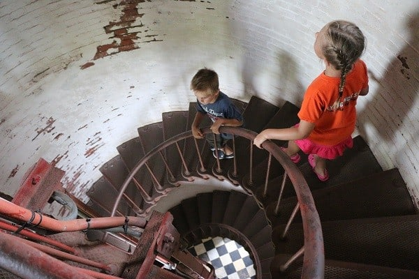 cape hatteras lighthouse, climbing cape hatteras lighthouse, cape hatteras lighthouse stairs